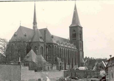 St.-Jeroenskerk-uit-begin-20-eeuw-met-relieken-va-de-H-Jeroen