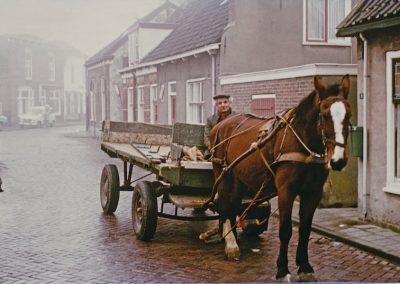 Vervoer-vracht-Dirk-Barnhoorn-alias-De-Kuks-1977-Cor-van-Duijn